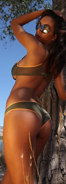 hottest Asses of the week 2.jpg - 82.08 KB