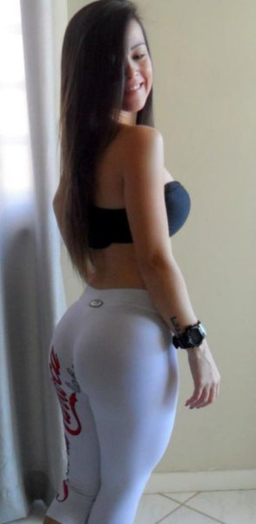 Hot girls in yoga shorts