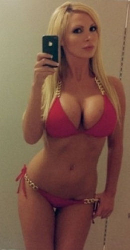 thumbs_bikini-self-shot.jpg - 27.51 KB