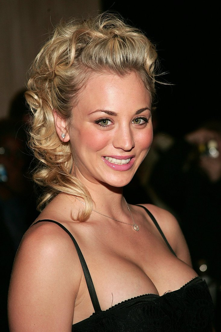 kaley_cuoco_56.jpg - 137.28 KB