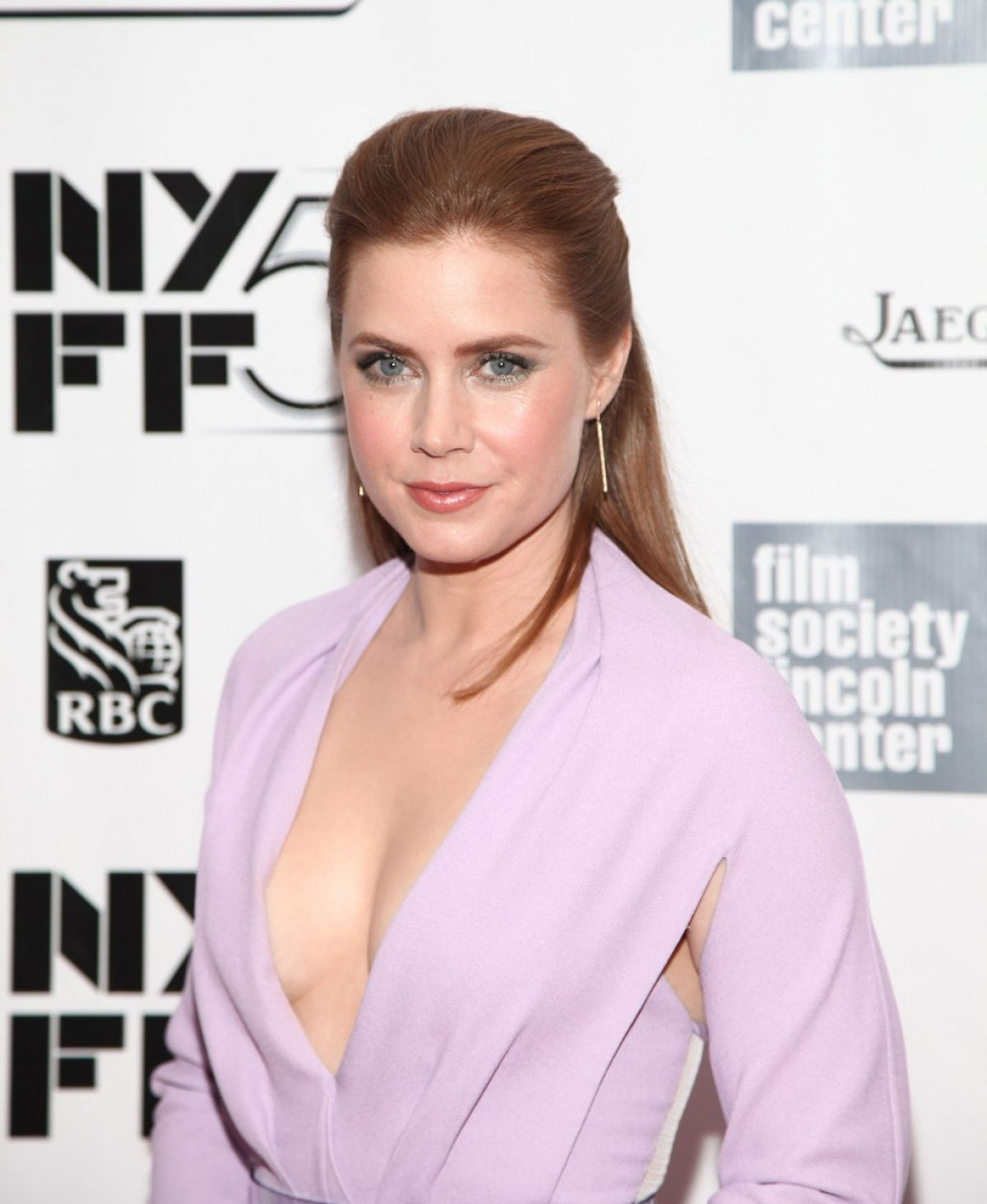 amy-adams-at-closing-night-gala-presentation-of-her-at-new-york-film-festival_5.jpg - 127.72 KB