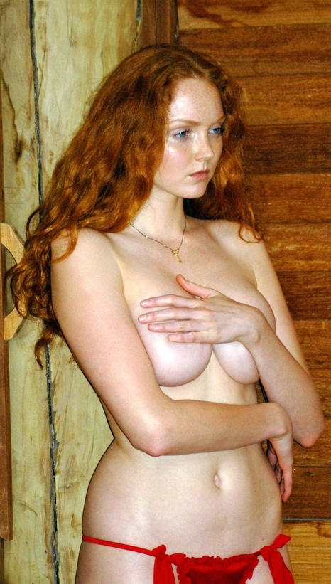 hot-babes-handbras 19e1.jpg - 156.85 KB