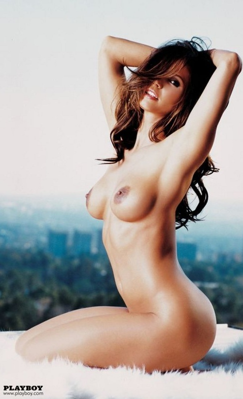 hot topless babes 7 4510.png - 580.31 KB