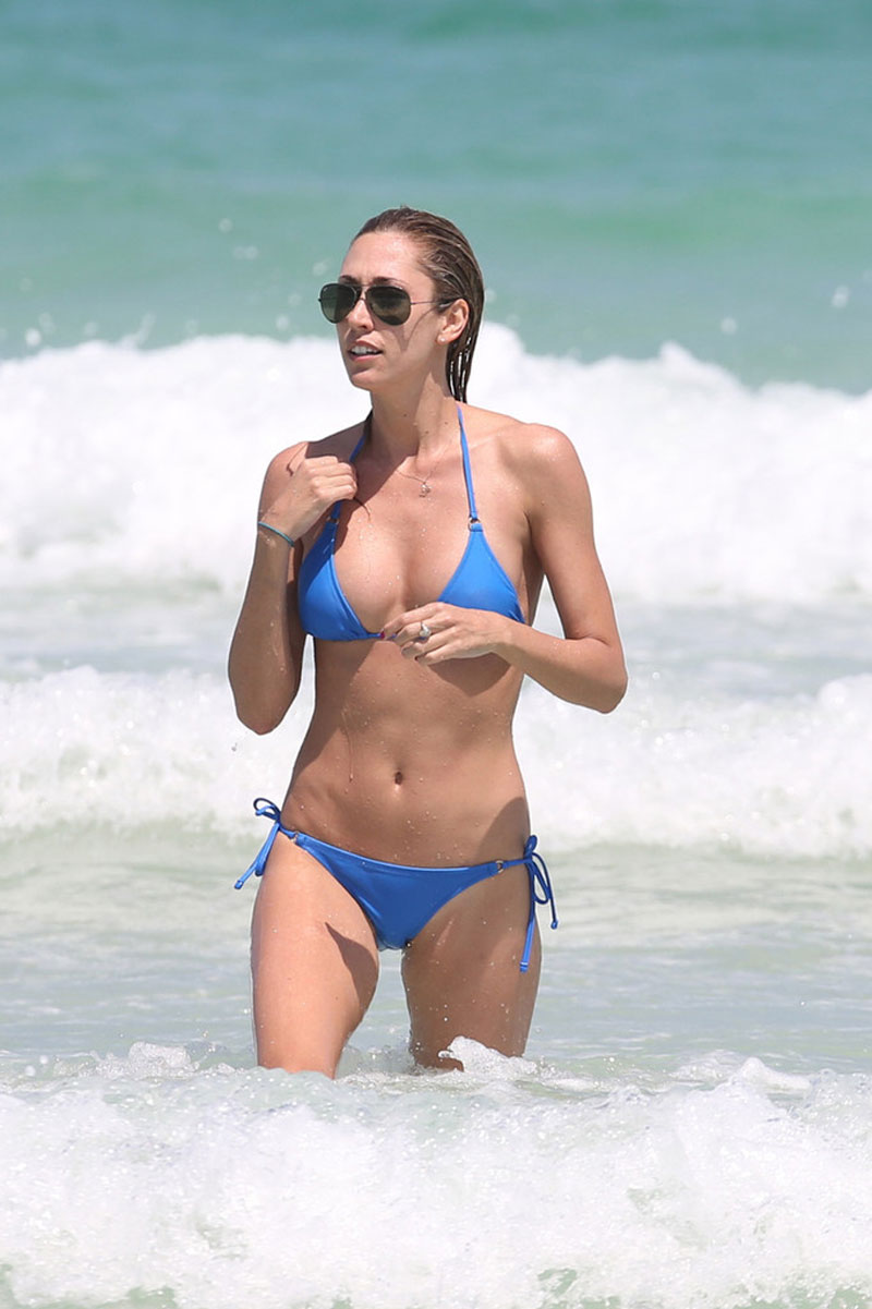 LAUREN-STONER-in-Blue-Bikini-on-a-Beach-in-Miami-16.jpg - 105.30 KB