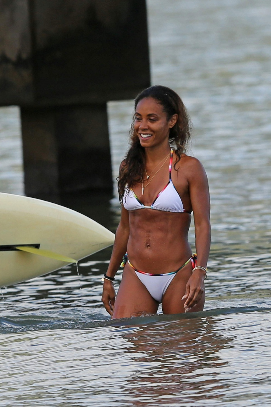 JADA-PINKETT-SMITH-in-Bikini-at-a-Beach-in-Hawaii-4.jpg - 332.51 KB