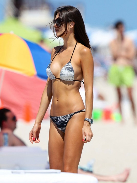 JULIA-PEREIRA-in-Bikini-on-a-Beach-in-Miami-1.jpg - 62.38 KB