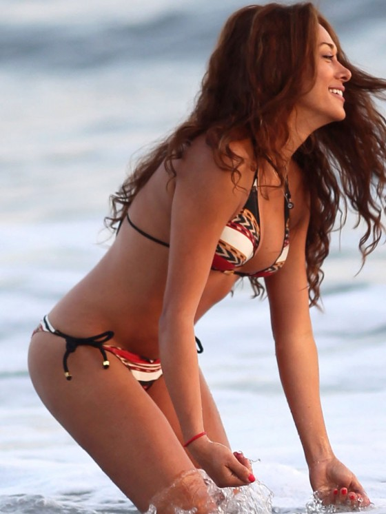 Fernanda-Marin-Bikini-Candids-on-the-Beach-in-Malibu-8.jpg - 71.91 KB