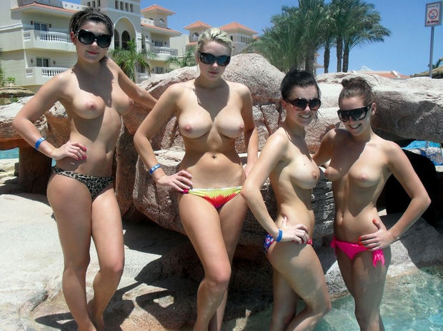 Rosie_Jones_Holiday_Snaps_0.jpg - 116.18 KB