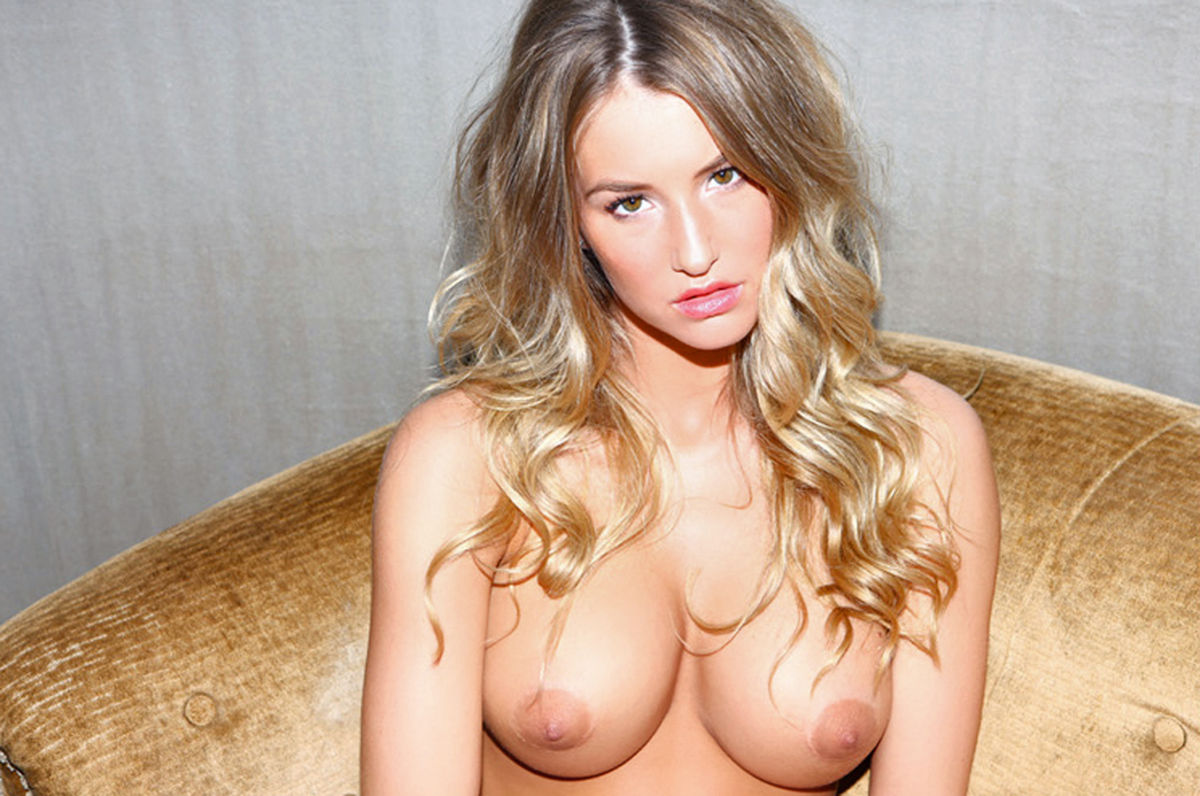 Danica Thrall topless  a photoshoot for Nuts 978.jpg - 183.99 KB