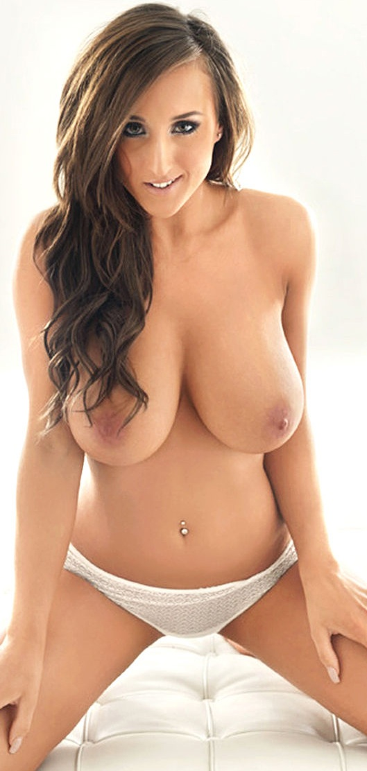 Stacey Poole  Nuts Photoshoot  1.jpg - 132.52 KB