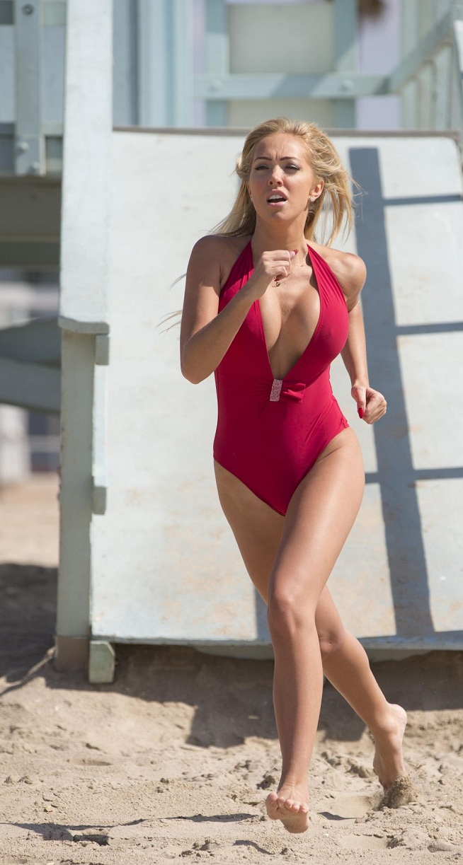 aisleyne-horgan-wallace-in-swimsuit-at-baywatch-workout-in-los-angeles_25.jpg - 186.89 KB
