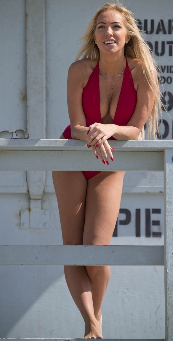aisleyne-horgan-wallace-in-swimsuit-at-baywatch-workout-in-los-angeles_4.jpg - 146.91 KB