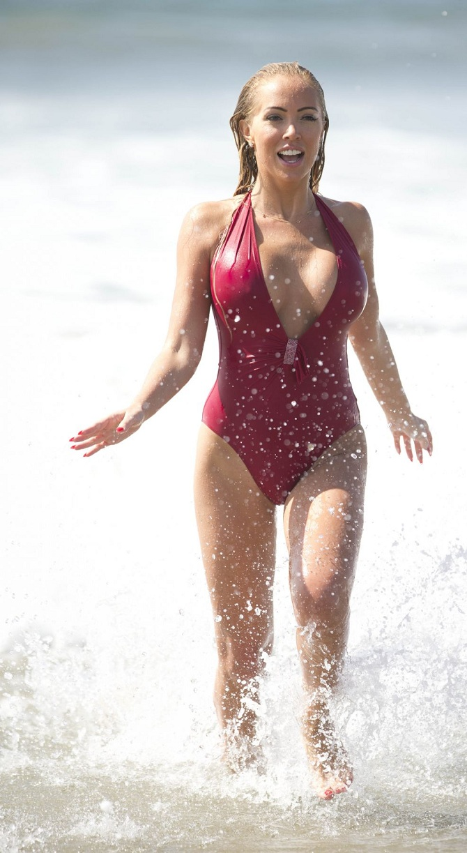 aisleyne-horgan-wallace-in-swimsuit-at-baywatch-workout-in-los-angeles_9.jpg - 204.87 KB