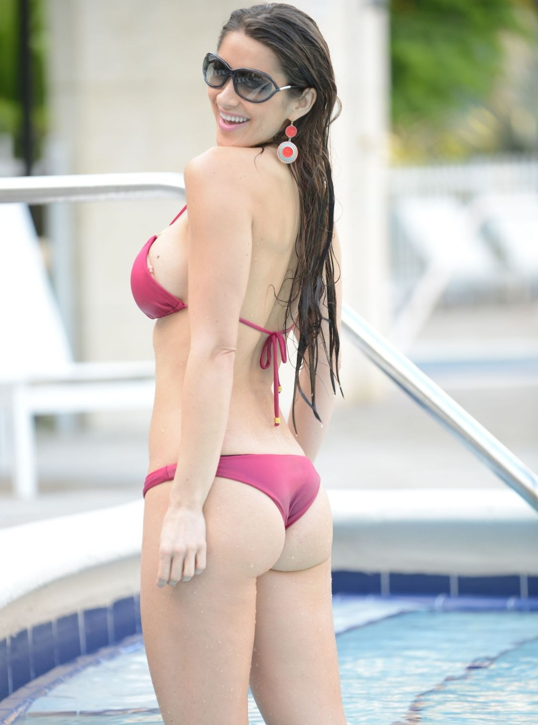 anais-zanotti-in-bikini-at-a-pool-in-miami_12.jpg - 246.55 KB