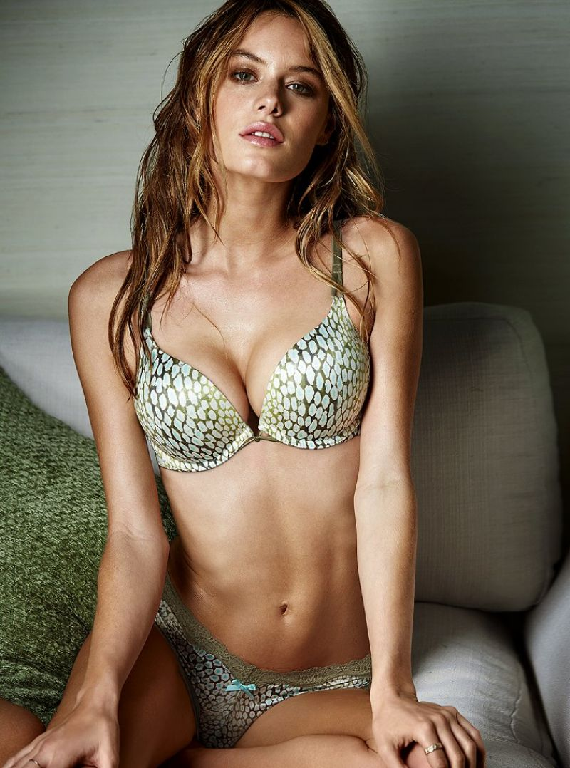 camille-rowe-victoria-s-secret-february-2014_7.jpg - 139.72 KB