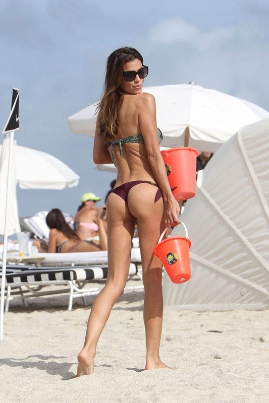 Paraguayan_model_Claudia_Galanti_ass.jpg - 80.20 KB