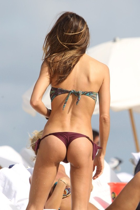 Paraguayan_model_Claudia_Galanti_ass_.jpg - 64.64 KB
