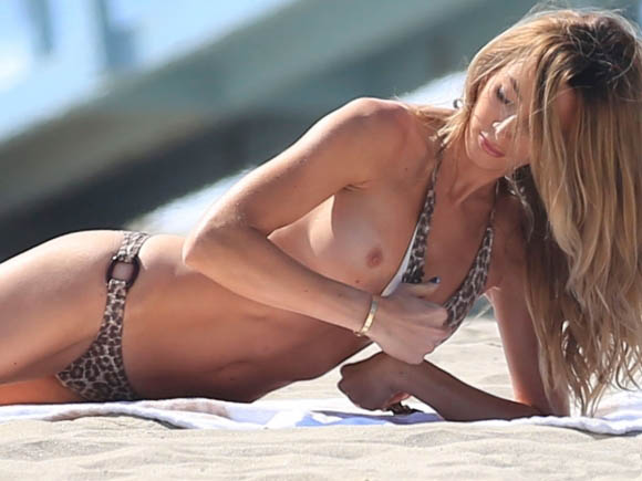 courtney-bingham-leopard-bikini-on-the-beach-in-malibu-6.jpg - 51.82 KB
