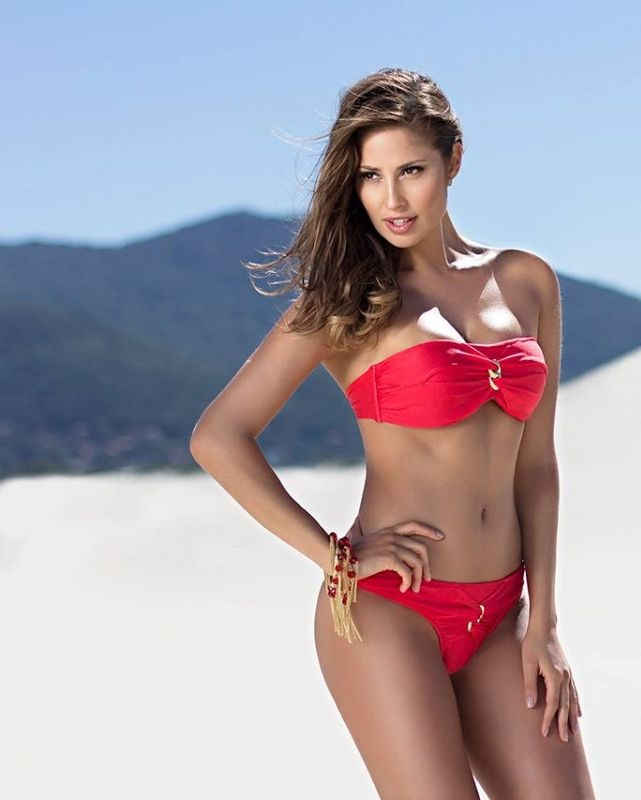 isabela-soncini-sol-de-barra-swimwear-2014-issue_13.jpg - 67.55 KB