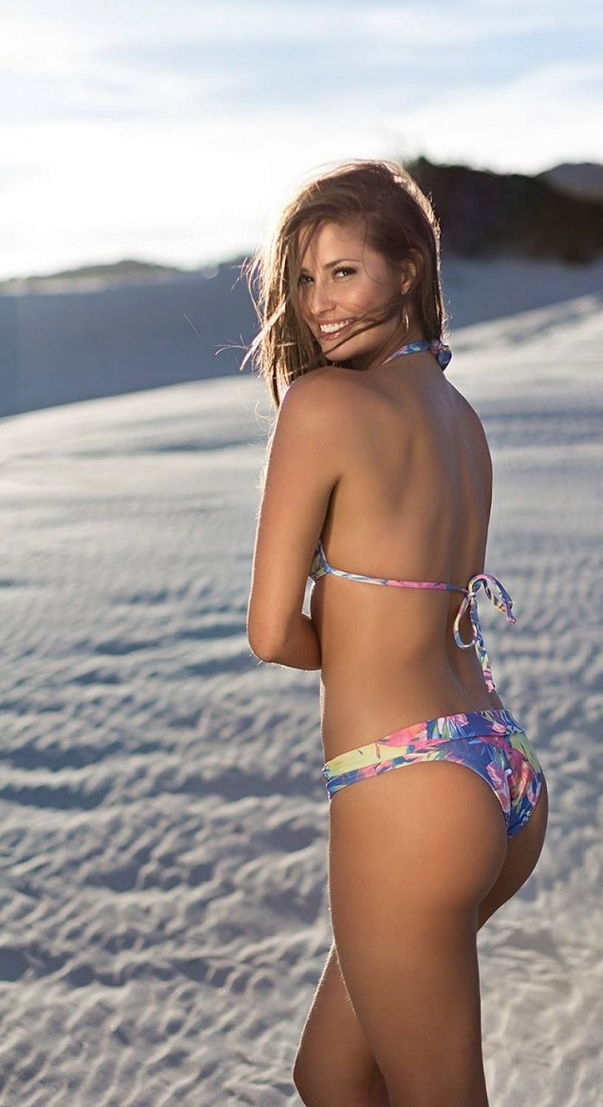 isabela-soncini-sol-de-barra-swimwear-2014-issue_15.jpg - 170.46 KB
