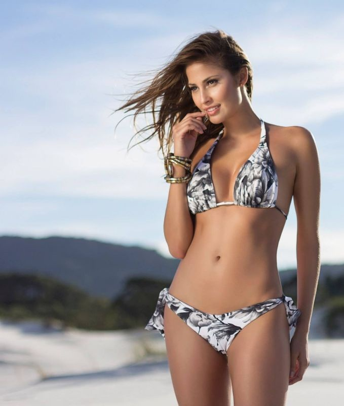 isabela-soncini-sol-de-barra-swimwear-2014-issue_16.jpg - 81.01 KB