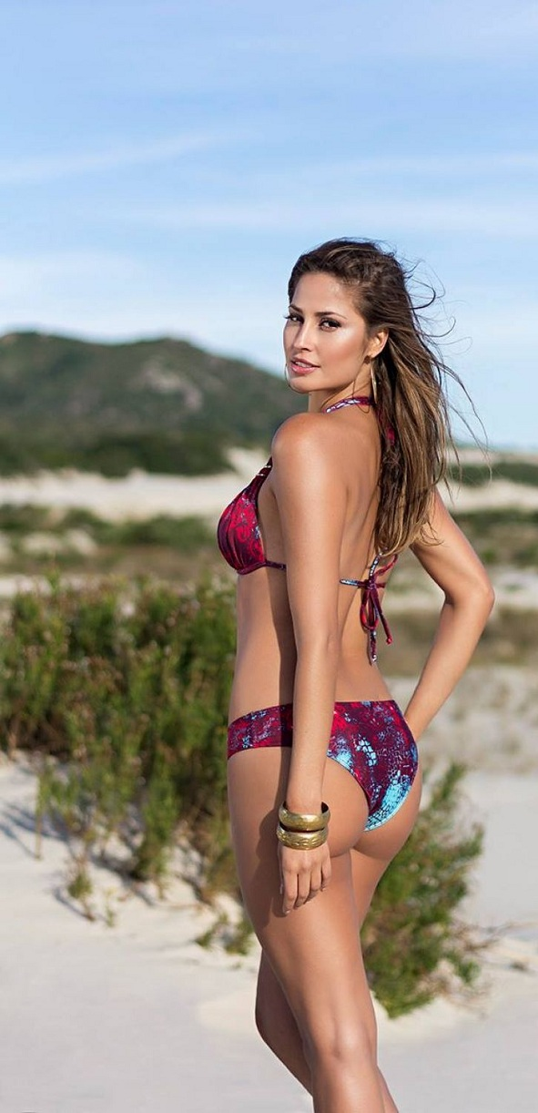 isabela-soncini-sol-de-barra-swimwear-2014-issue_18.jpg - 152.54 KB
