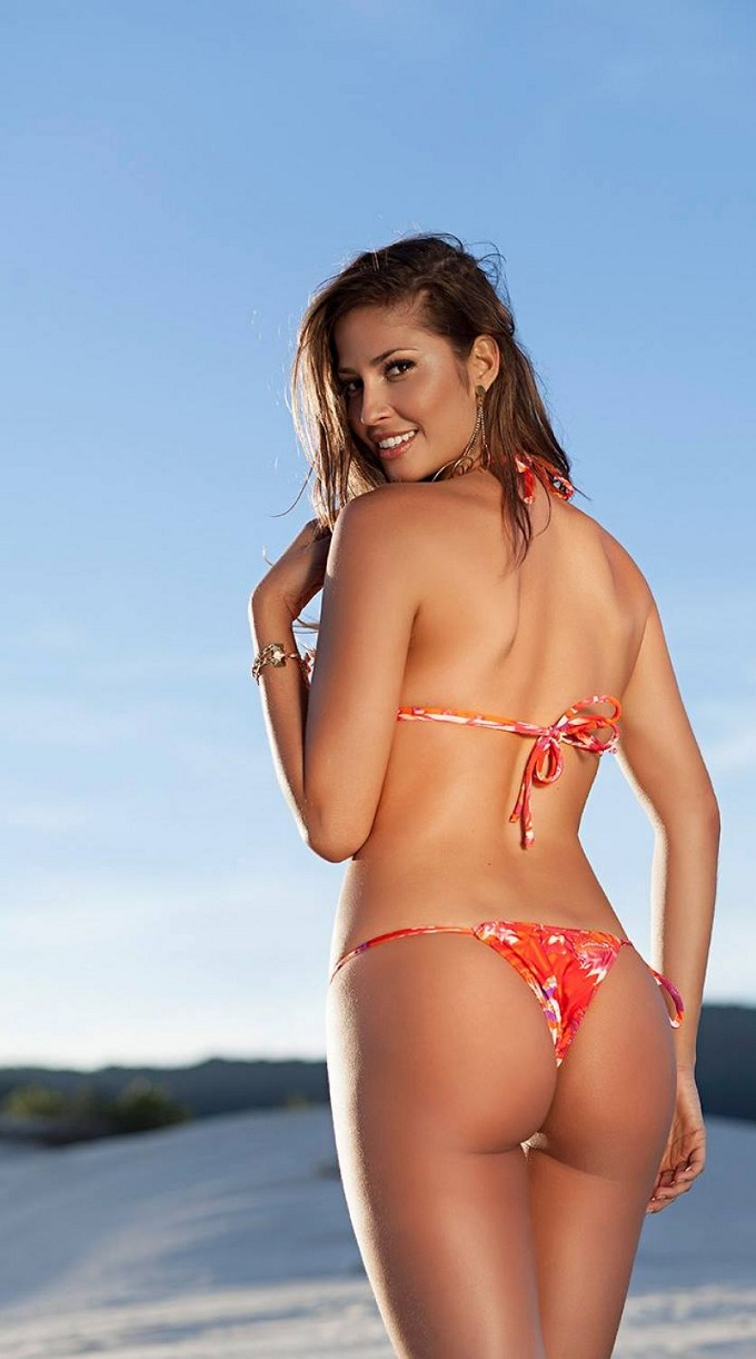 isabela-soncini-sol-de-barra-swimwear-2014-issue_6.jpg - 142.57 KB
