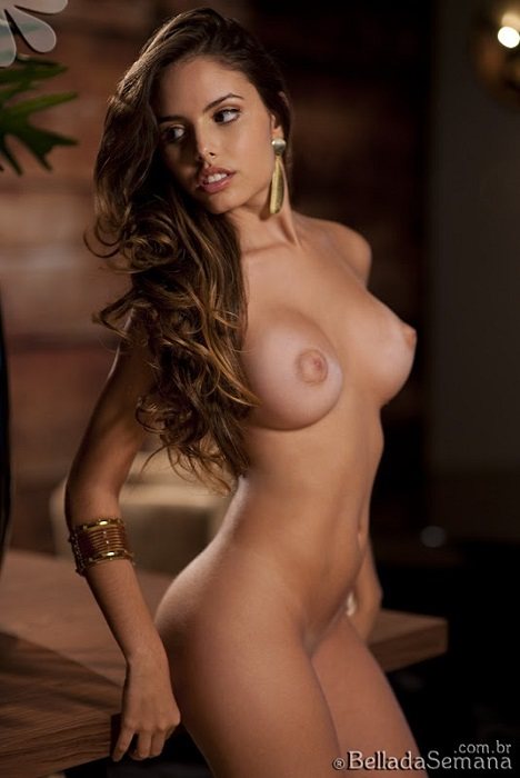 club models nude Bella