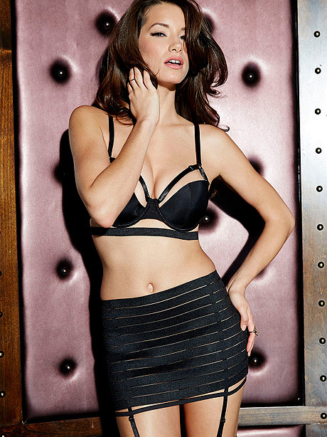 Lauren-Young -Fredericks-of-Hollywood-Lingerie-2014--05.jpg - 130.59 KB