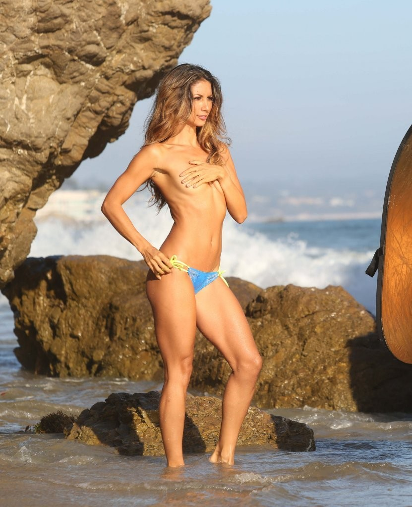 Leilani Dowding on a photoshoot in Malibu_082213_24.jpg - 158.55 KB