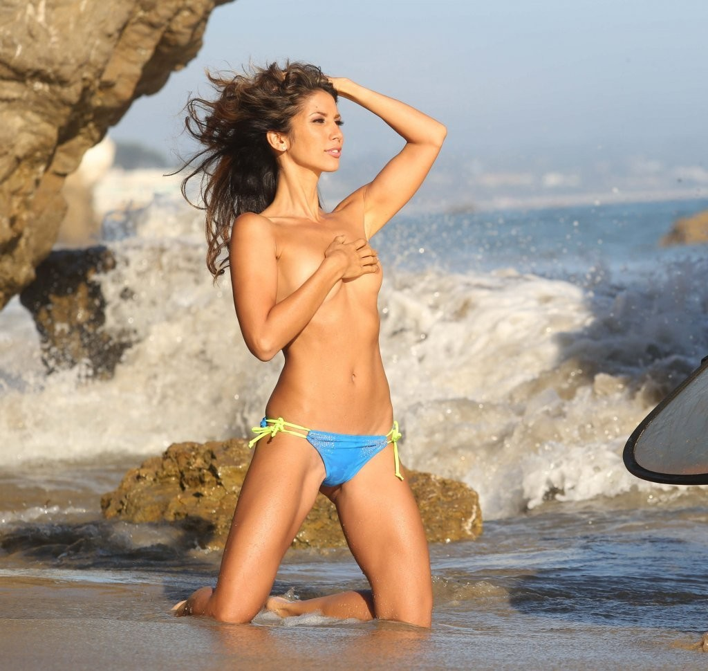 Leilani Dowding on a photoshoot in Malibu_082213_30.jpg - 164.54 KB