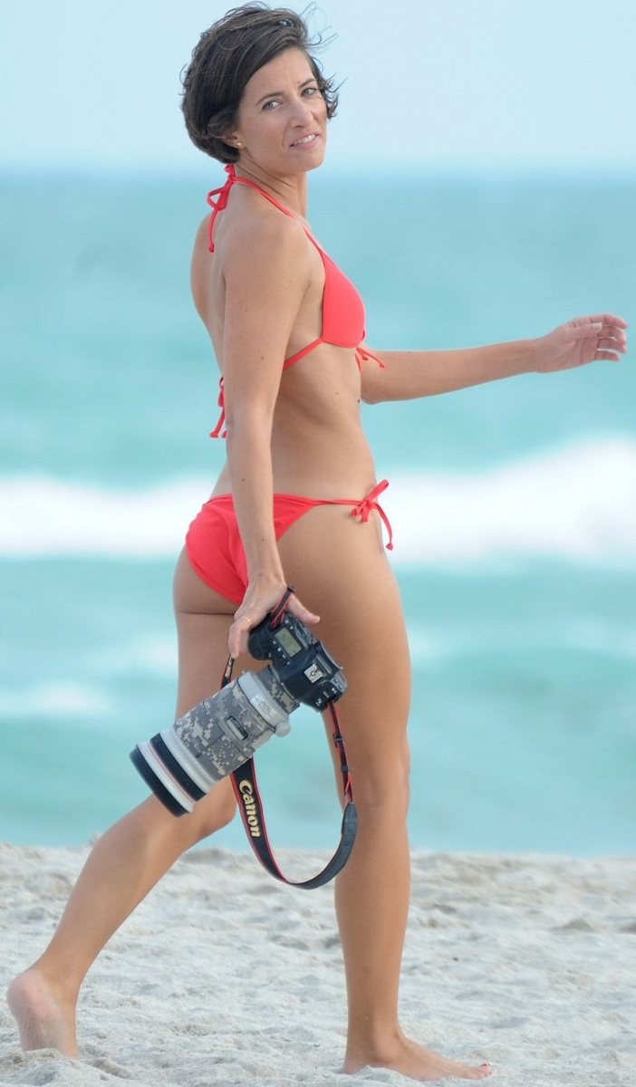 logan-fazio-in-bikini-at-a-beach-in-miami-beach_12.jpg - 150.40 KB