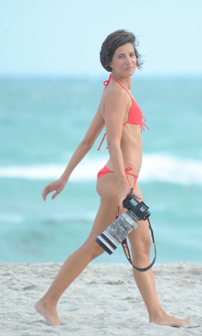 logan-fazio-in-bikini-at-a-beach-in-miami-beach_13.jpg - 171.06 KB