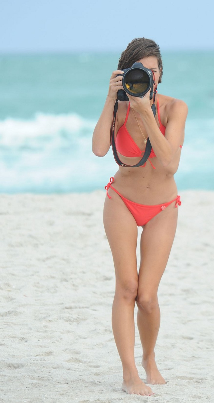 logan-fazio-in-bikini-at-a-beach-in-miami-beach_9.jpg - 158.09 KB