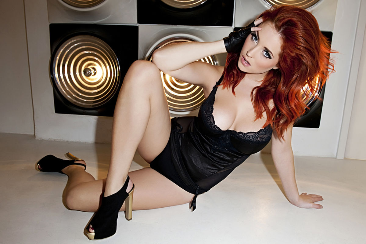 lucy-collett-1.jpg - 159.21 KB
