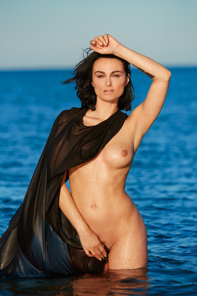 Worlds Hottest Celebrities Naked