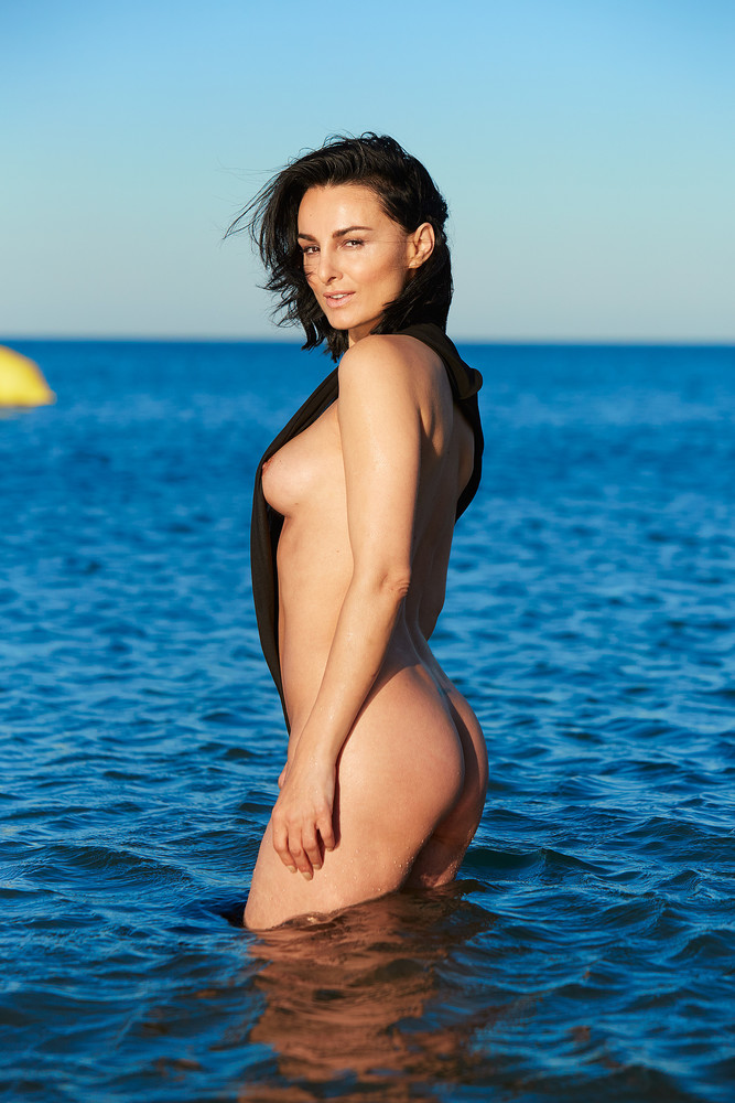 Mimi Fiedler - Actress Naked for Playboy