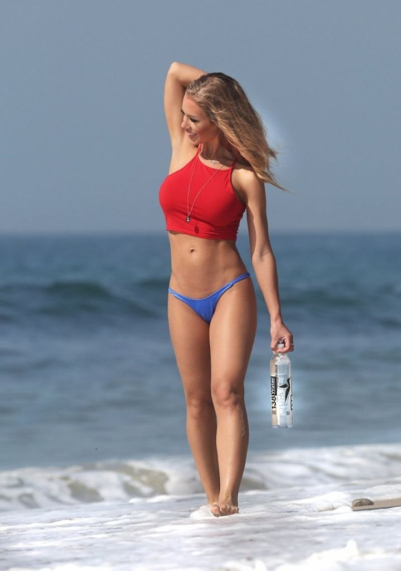 nicole-ansiton-at-138-water-photoshoot-in-malibu_5.jpg - 59.89 KB
