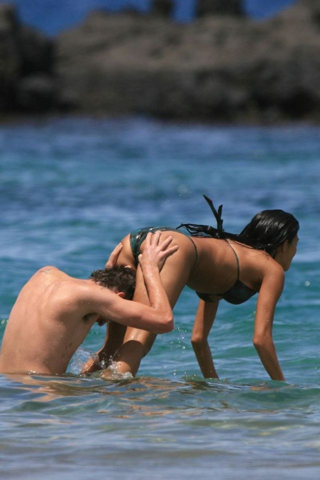 Japan pic nicole scherzinger naked on the beach very young girl