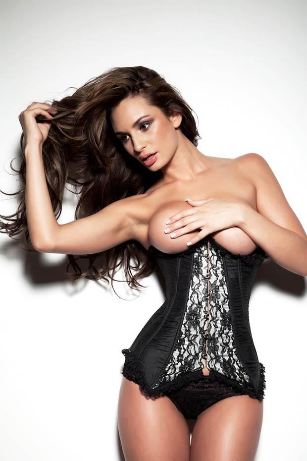 http://hotcelebrities-vk.com/images/MODELS/FR/Rosie-Roff/1-Rosie-Roff-Model-Naked/Rosie%20Roff%2056vgh.jpg