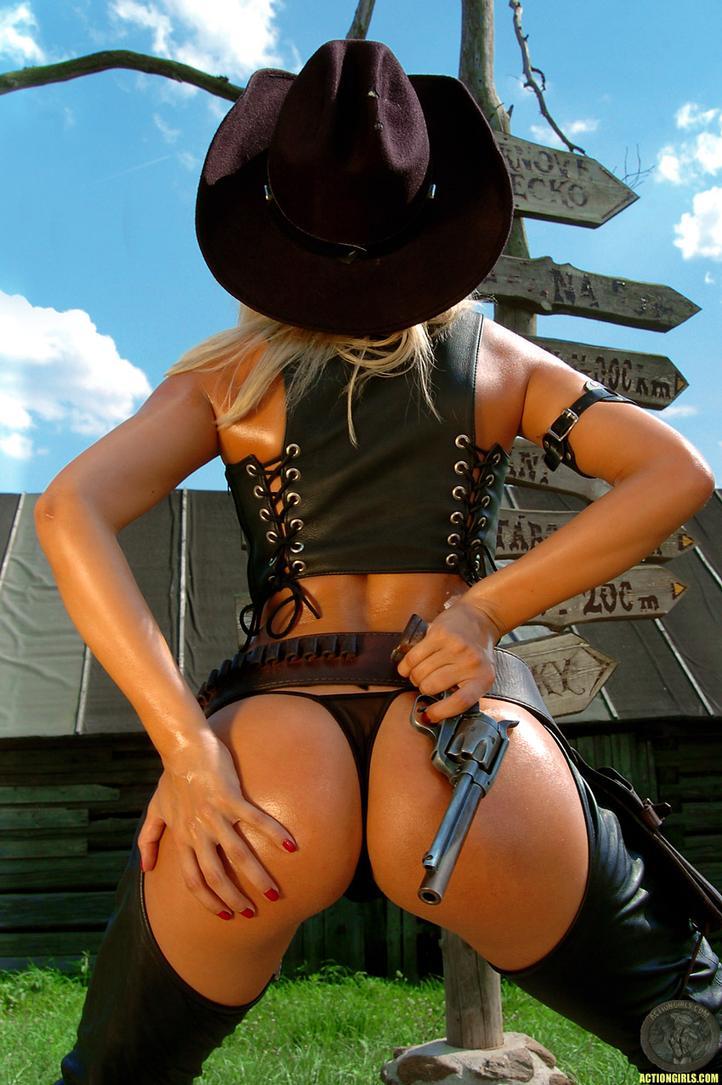 http://hotcelebrities-vk.com/images/MODELS/FR/Rosie-Roff/1-Rosie-Roff-Model-Naked/actiongirlssomoonewestern047.jpg