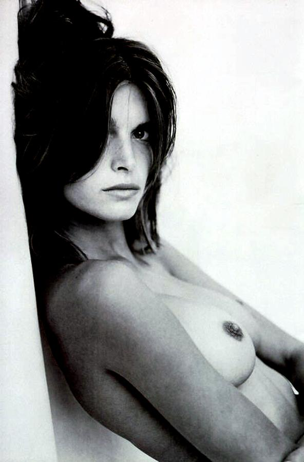 stephanie-seymour-nude-in-black-and-white-photos-1109-10.jpg - 43.02 KB