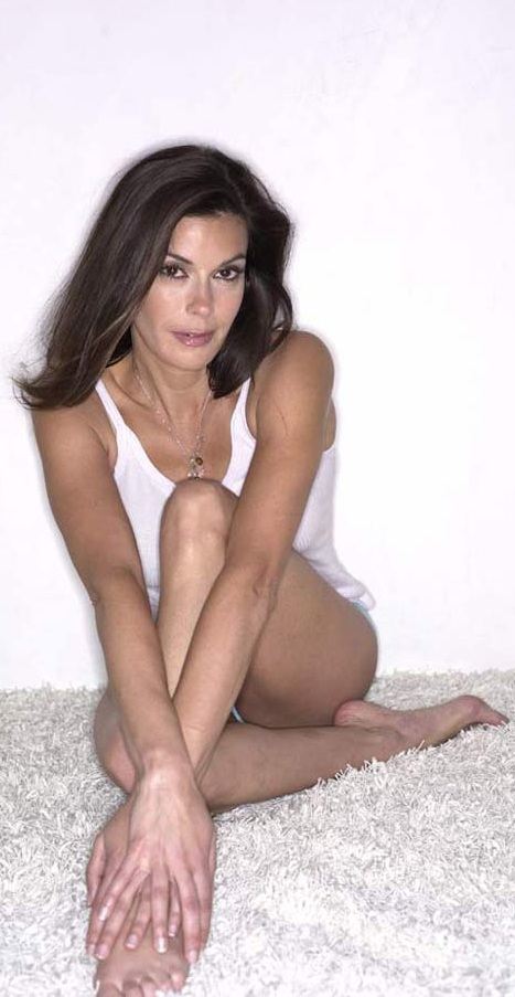 teri_hatcher_2291.jpg - 99.53 KB