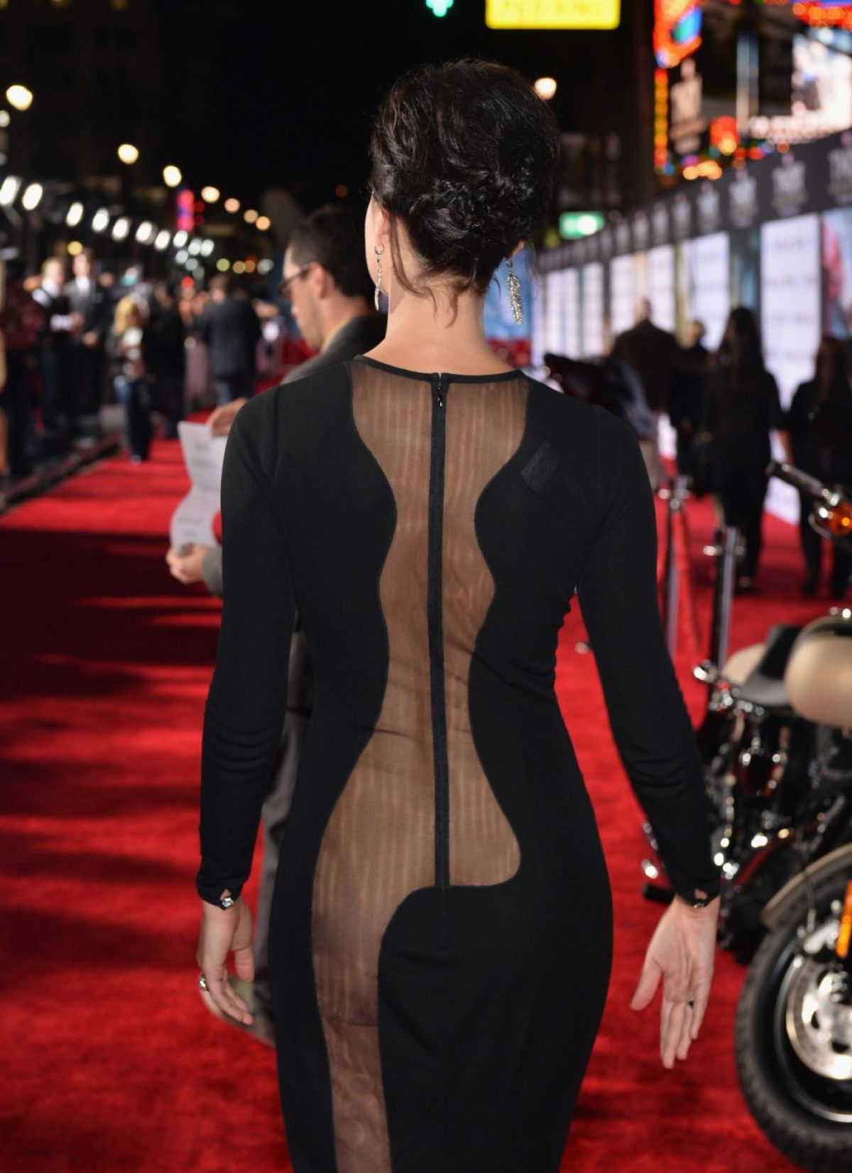 jaimie-alexander-at-thor-the-dark-world-premiere-in-hollywood_23.jpg - 162.66 KB