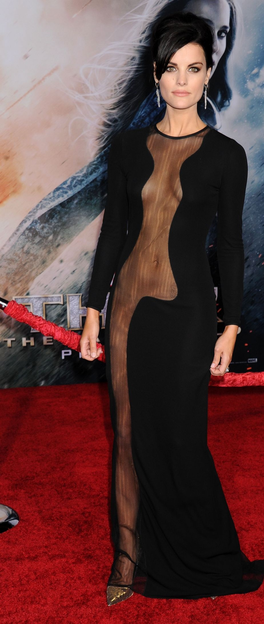jaimie-alexander-at-thor-the-dark-world-premiere-in-hollywood_9.jpg - 357.51 KB