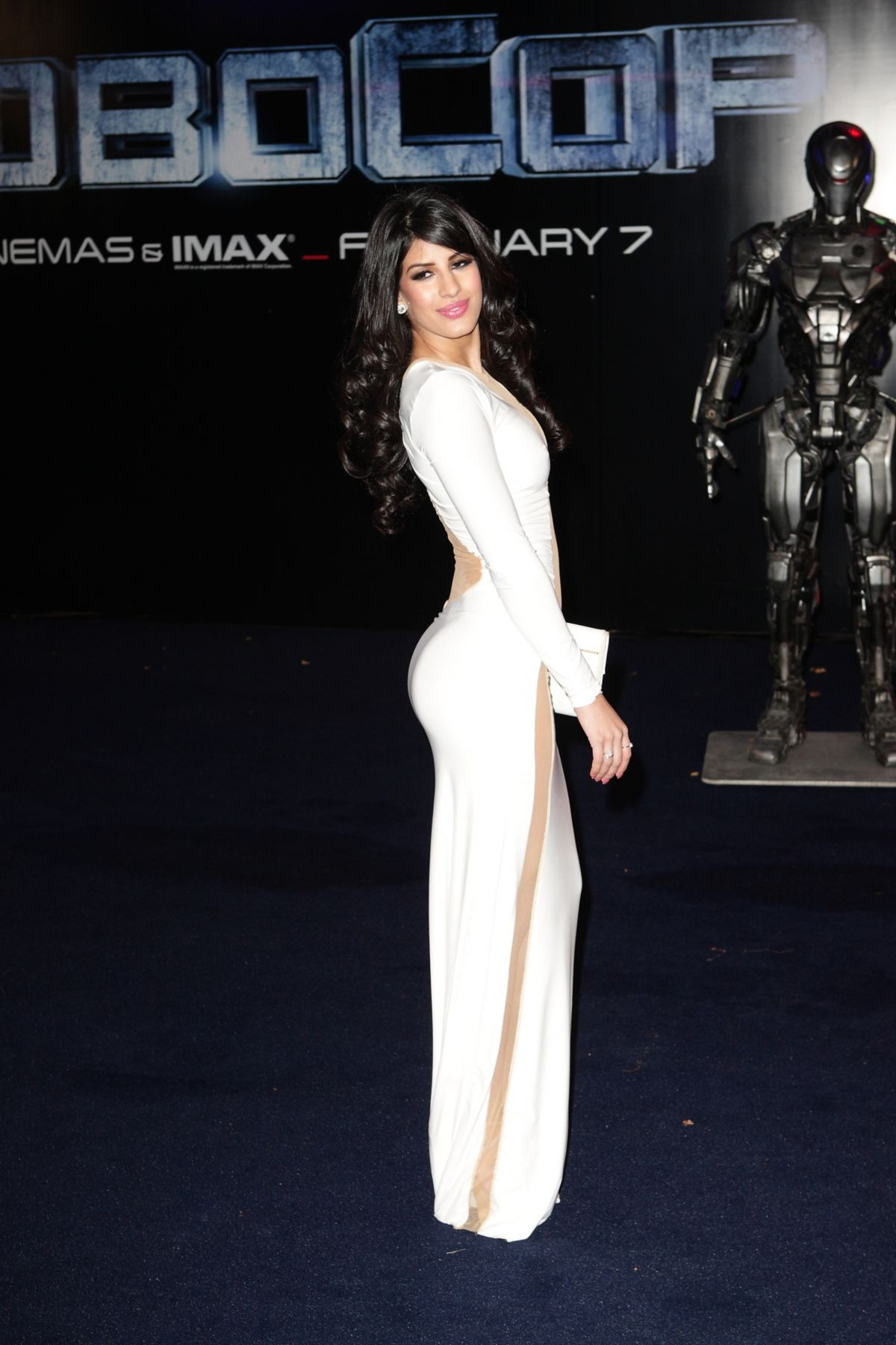 jasmin-walia-at-robocop-premiere-in-london_2.jpg - 178.08 KB