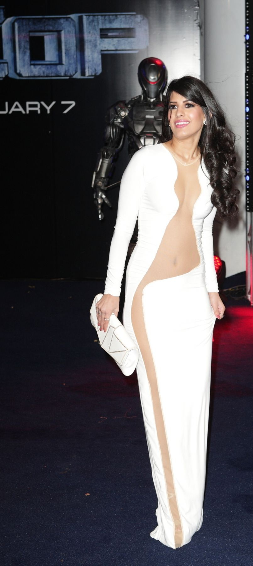 jasmin-walia-at-robocop-premiere-in-london_4.jpg - 206.57 KB