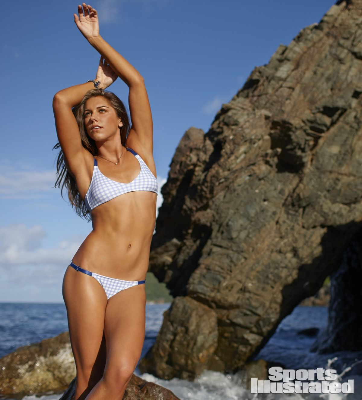 alex-morgan-in-sports-illustrated-2014-swimsuit-issue_12.jpg - 143.11 KB