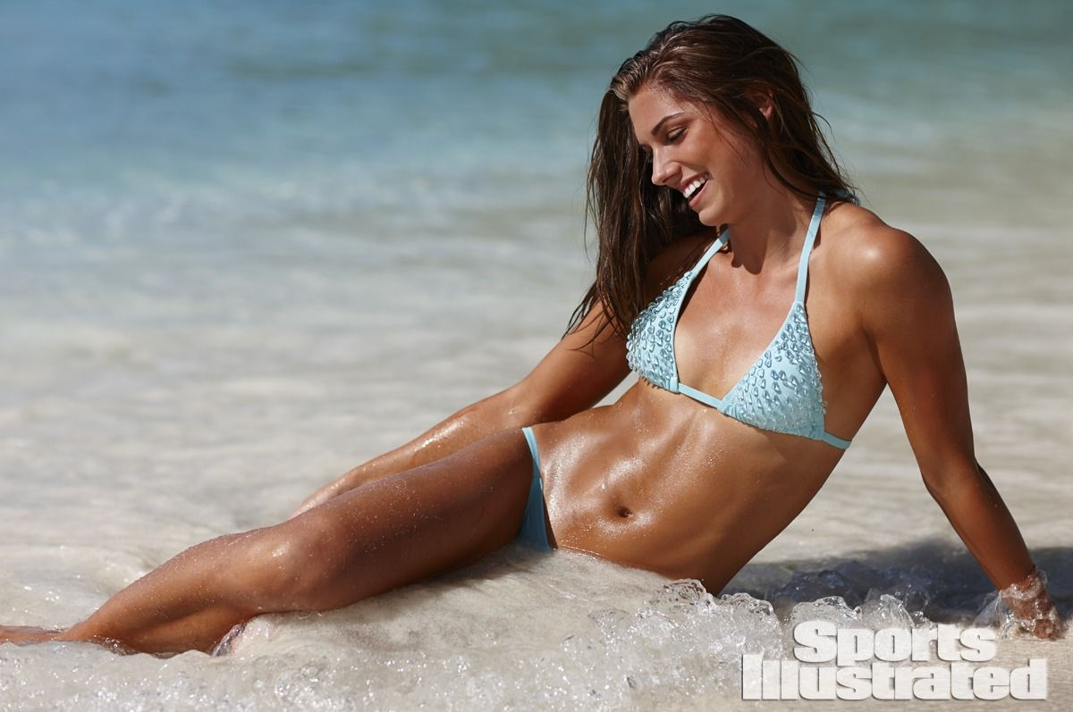 alex-morgan-in-sports-illustrated-2014-swimsuit-issue_17.jpg - 101.31 KB