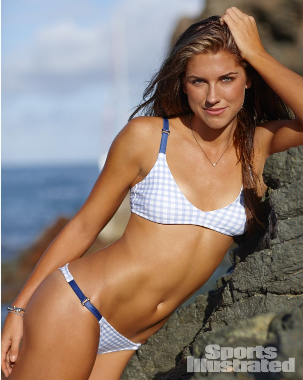 alex-morgan-in-sports-illustrated-2014-swimsuit-issue_9.jpg - 128.27 KB